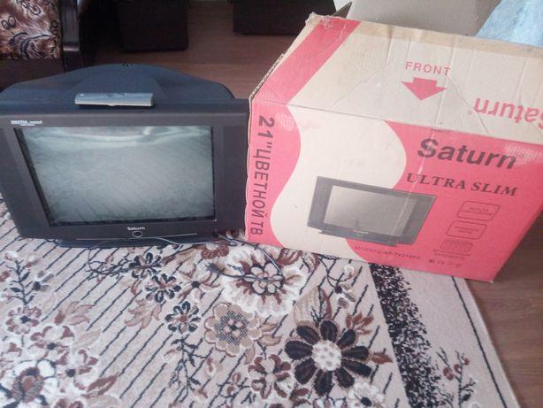 Телевизор Saturn sleem в хорошем рабочем состоянии с пультoм