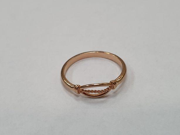 Piękny złoty pierścionek damski/ 585/ 1.86 gram/ R17/ Lite złoto