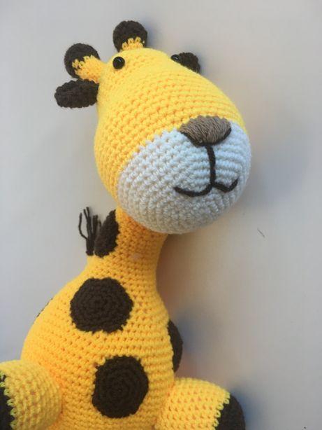 Girafa em crochet feita à mão - 35cm