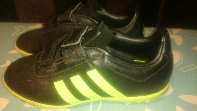 buty chłopięce piłkarskie ADIDAS r. 30