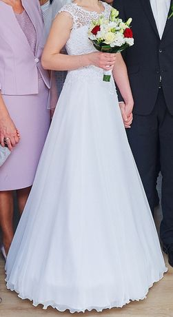Suknia ślubna Novia - rozmiar: 36/38, na wzrost ok 167cm.