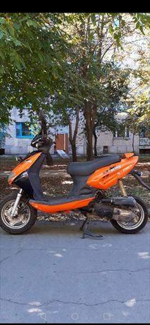 Продам китайский скутер Aprilia