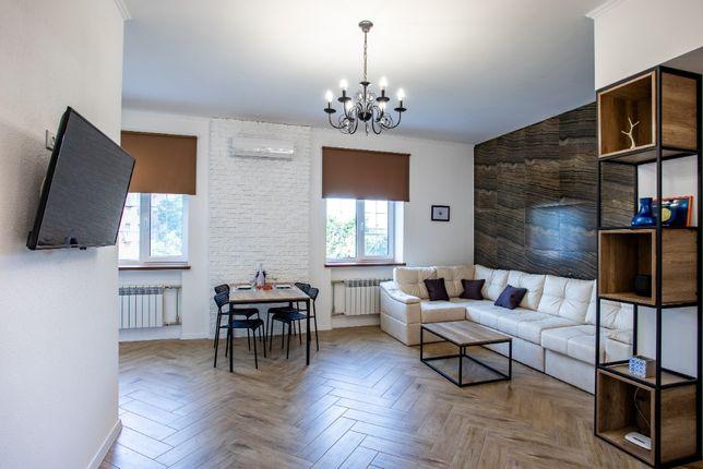 De Luxe студия с отдельной спальней в самом центре Николаева