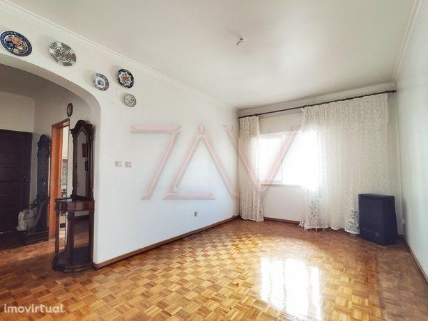 Apartamento T2 - Linda-a-Velha