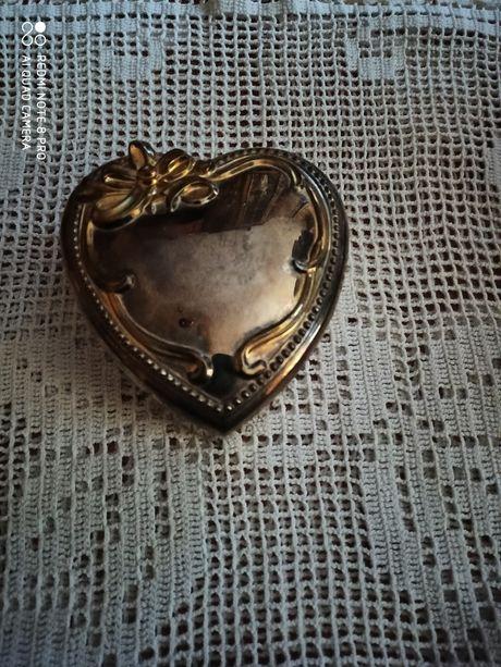 Szkatułka na biżuterię posrebrzana