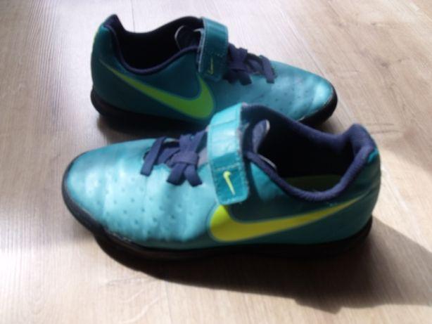 Buty sportowe turfy Nike roz.33