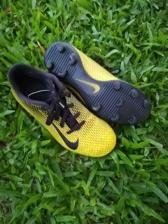 Chuteiras Nike 36