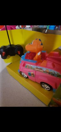 Развивающая игрушка машинка с динозавриком на пульте управления