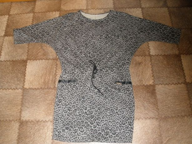 платье размер 44-46 М