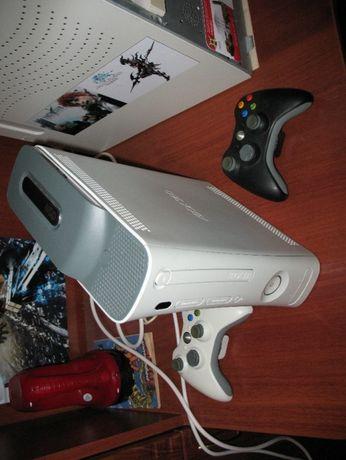 XBOX360 Arcade 20GB (LT3.0) c огромной коллекцией игр