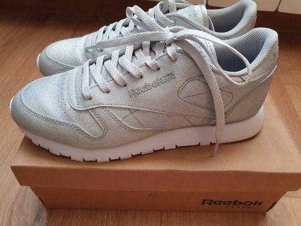 Sneakers Reebok r.40