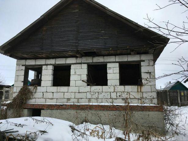 Дом недостроенный с участком