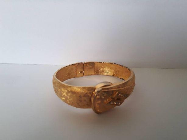 Женские позолоченные часы (swiss made)