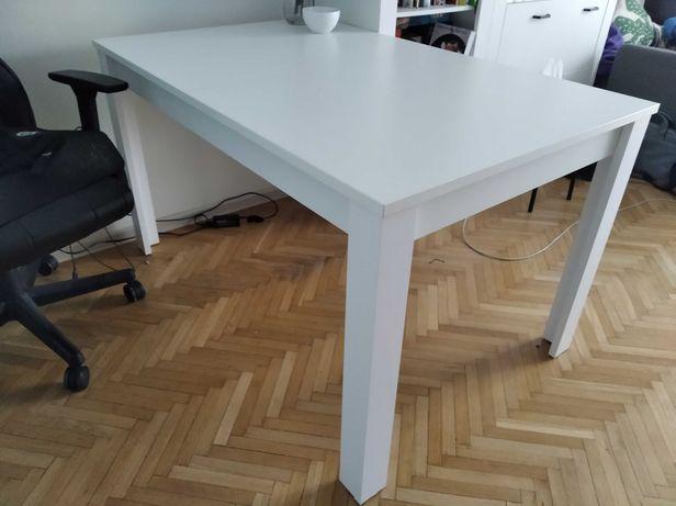 Biały rozkładany stół