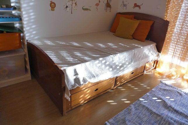 Cama individual (madeira) + colchão