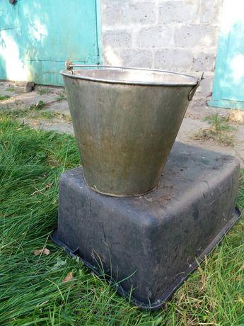 Продам велике відро і з кришкою,чайник з нержавіючої сталі