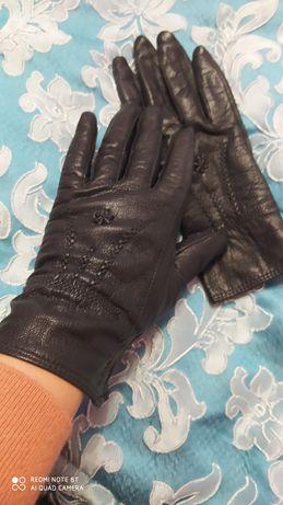 Крутые кожаные перчатки