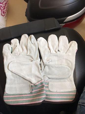 Перчатки строительные.