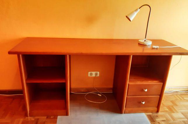 Secretárias funcionais e espaçosas. OFERTA: cadeira escritório