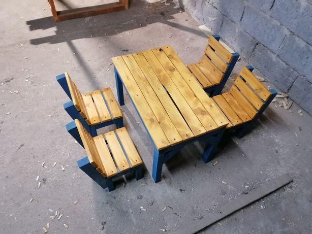 Zestaw bardzo solidnych mebli stół+4 krzesla