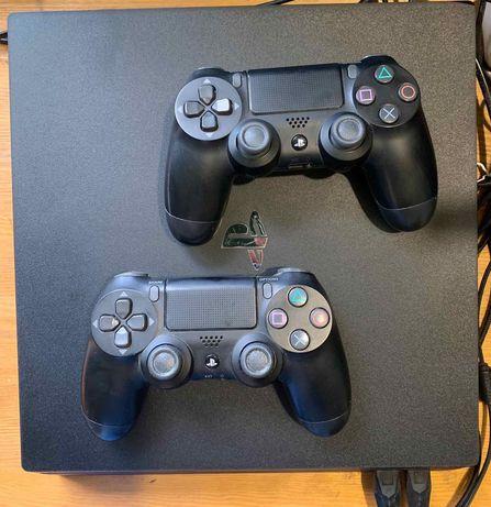 PS4 pro (1TB) в хорошем состоянии