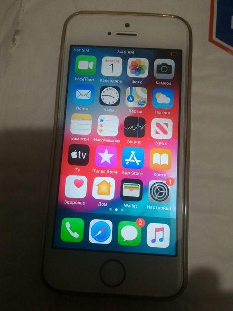 IPhone SE 16Gb, официально разлочен, ICloud чистый