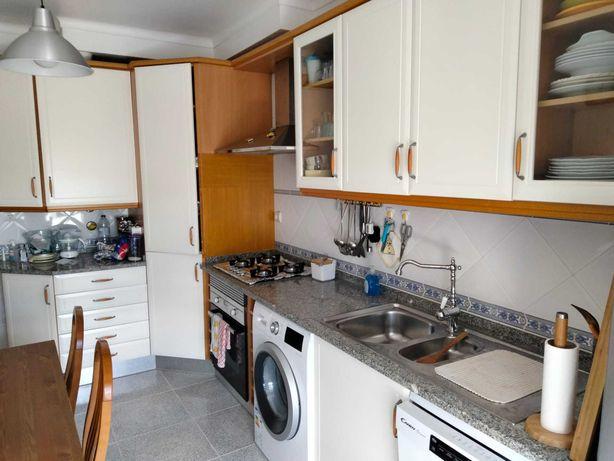 Movéis cozinha usada em bom estado
