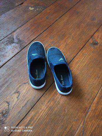 Мокасини, кросівки, тапочки 19 см устілка.