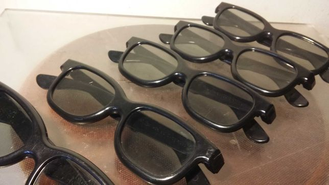 Cinco (5)pares Óculos Real 3D