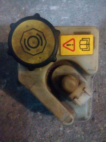 Бачок тормозной жидкости Форд Mondeo 1,2