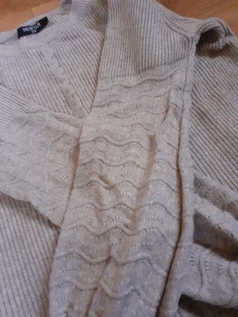 Cieplutki  sweterek