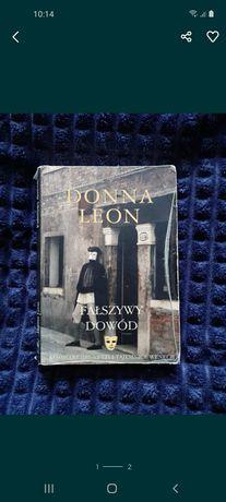 """Donna Leon """"Fałszywy dowód"""""""