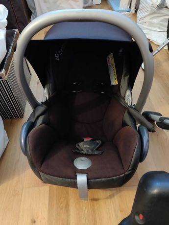 """Cadeira de bebé """"ovo"""" e isofix"""