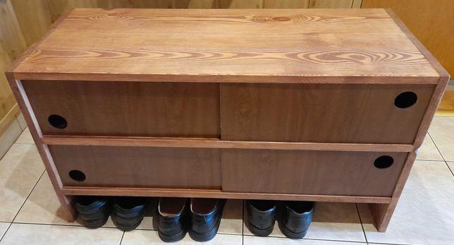 Drewniana szafka na buty