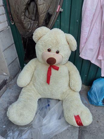 Великий медведь не дорого