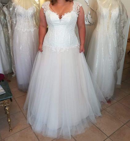 Suknia Ślubna - rozmiar 46