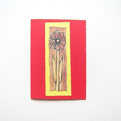 czerwona kartka z kwiatkiem, fajna kartka okolicznościowa bez życzeń