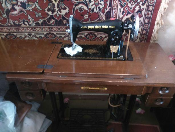 Швейная машинка советских времен
