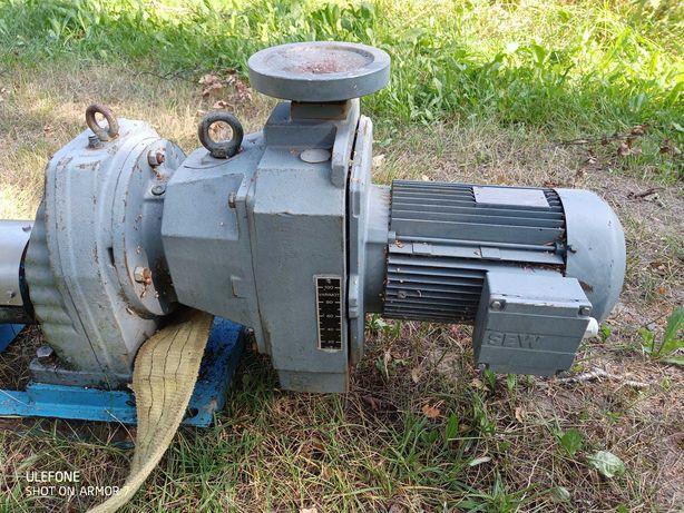Silnik 3kW reduktor obrotów, pompa ślimakowa z zasobnikiem