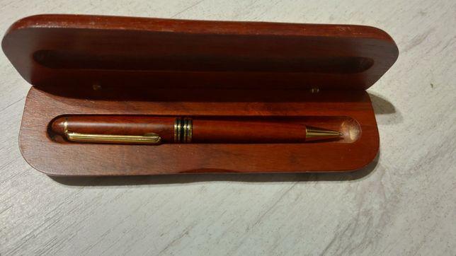 Сувенирная ручка с дерева в деревянном футляре