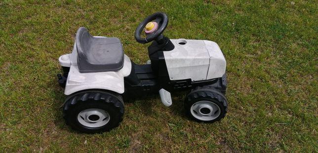 Traktorek dzieciecy Smoby