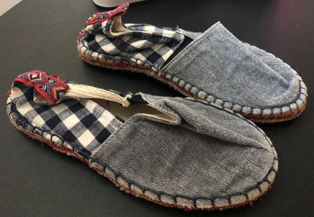 2 pares de sapatos, n.º 33, como novos. Portes grátis!