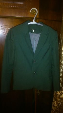 Зеленый школьный пиджак