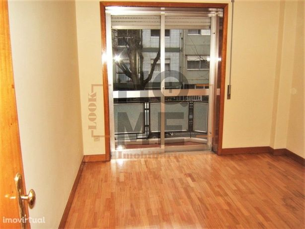 Apartamento T1 p. investidores/investors (arrendado)PT/ENG