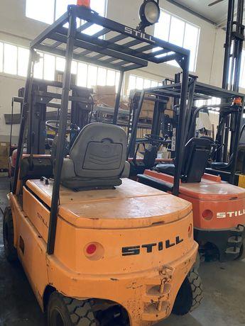 Empilhador still eletrico de 2500 kgrs triplex elevacao livre e desloc