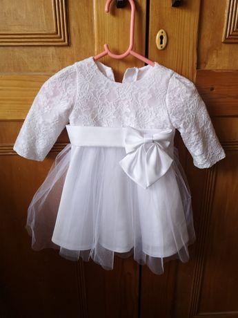Sukienka i buciki na chrzest