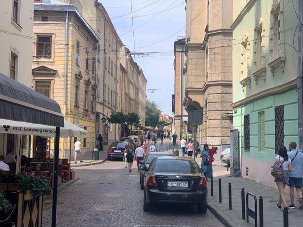 Приміщення в центральній частині Львова