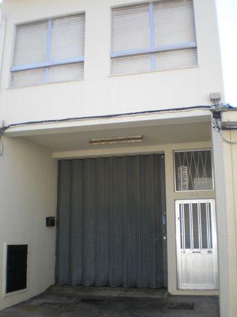 1º andar para escritório ou armazém de retém em Pedrouços