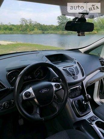 Автомобиль Форд С-макс Trend plus 2014 год