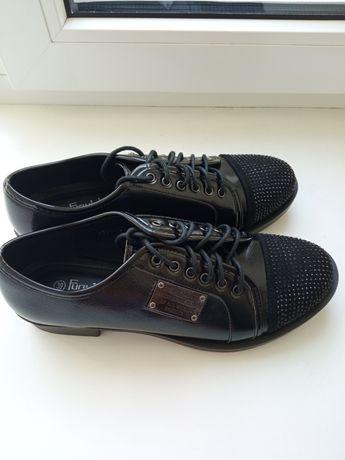 Туфли женские,новые 39 размер,не кожа